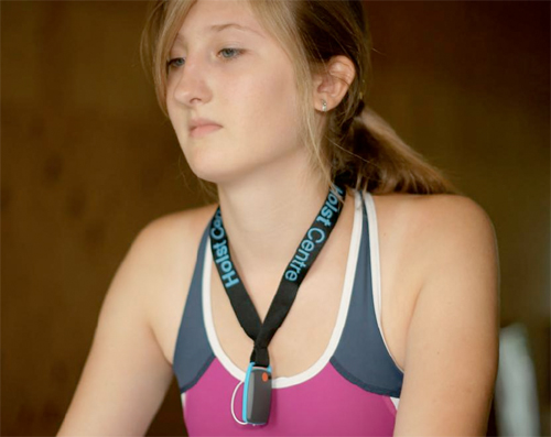 Girl with Medical Tracker (c) Gizmodo
